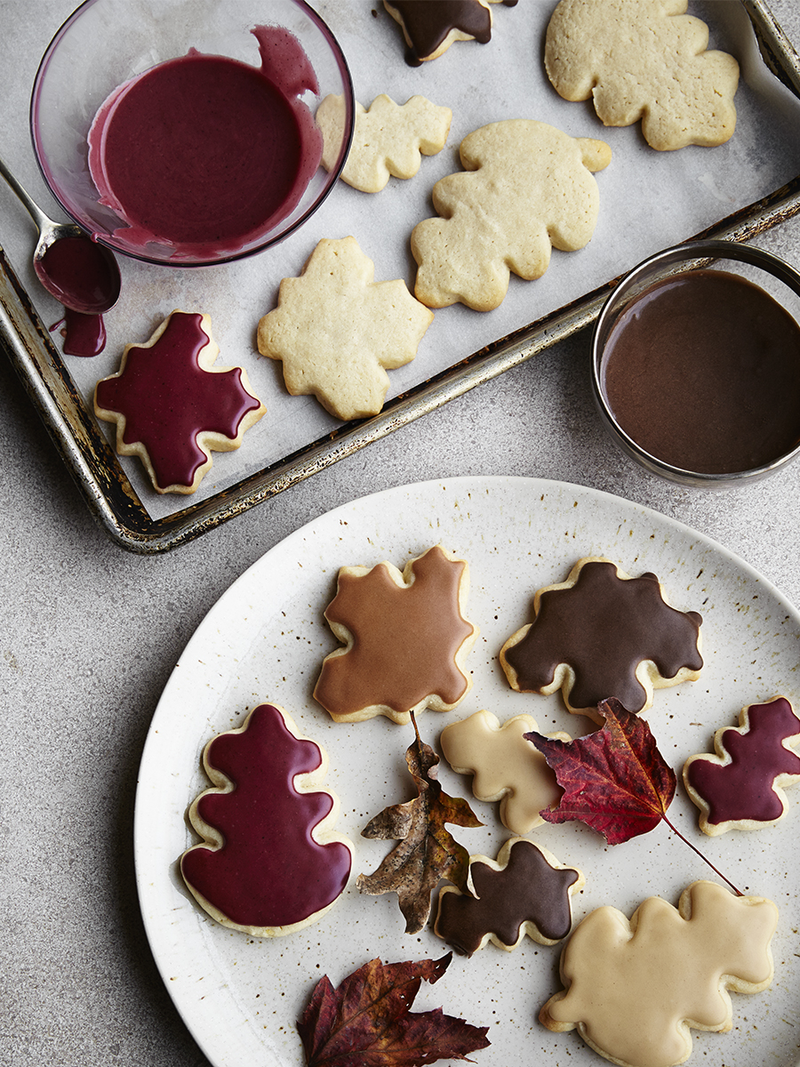 Assortment of Christmas Cookies on Plate | Dovis Bird Agency