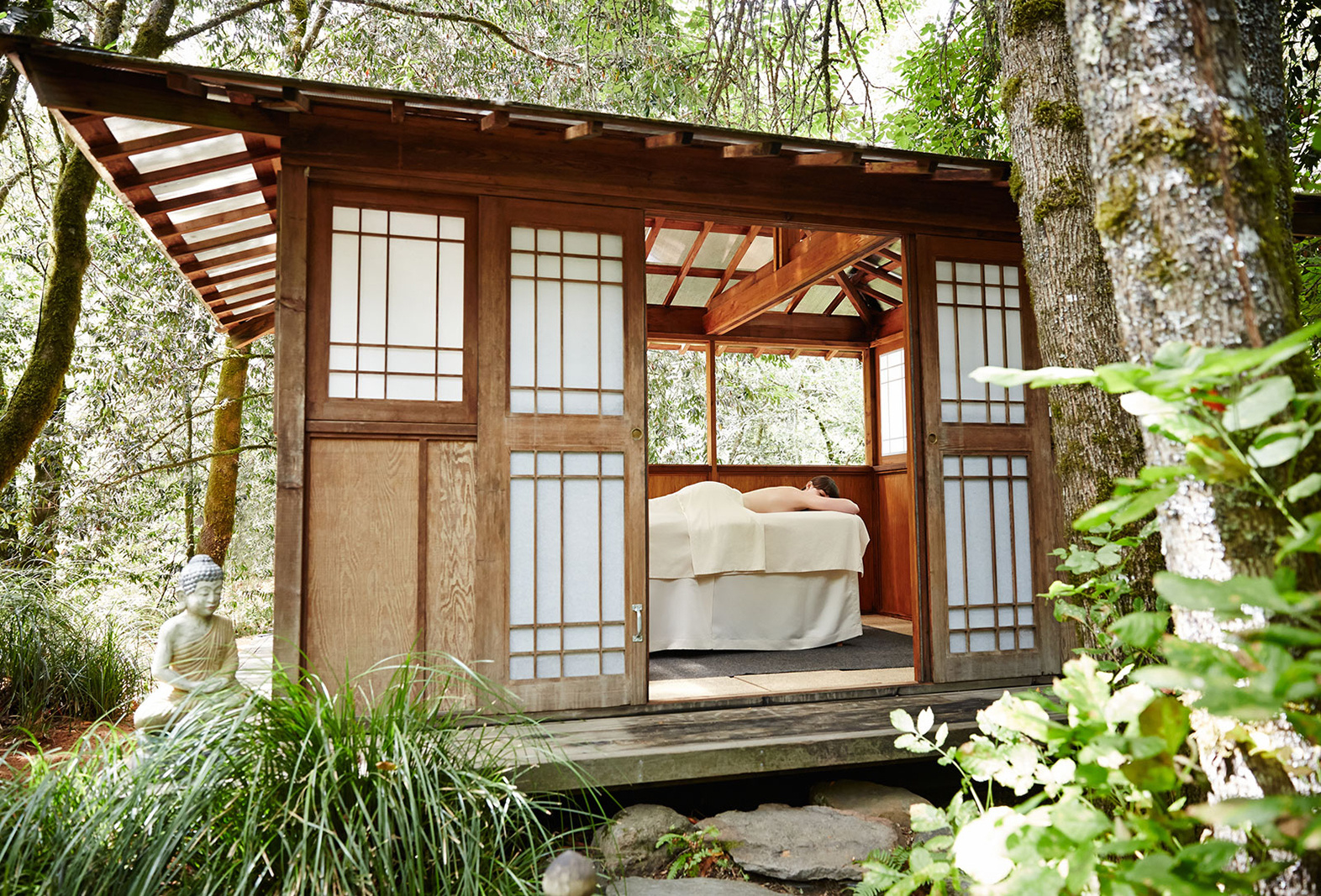 Outdoor Massage Hut  | Dovis Bird Agency Photography