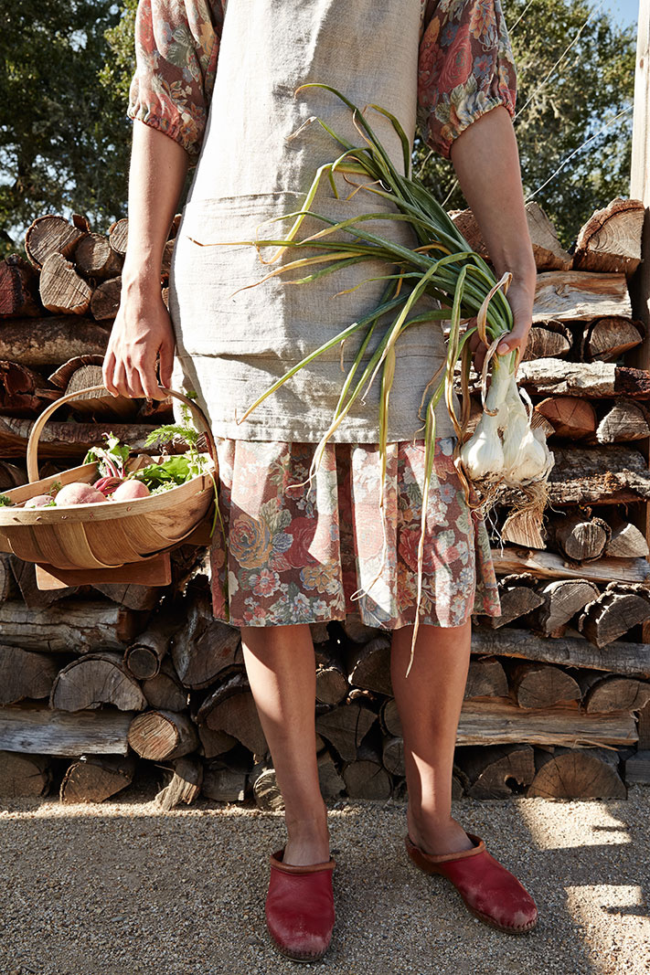Woman wearing garden shoes  | Dovis Bird Agency Photography