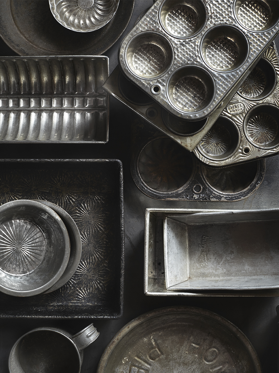 Baking tins and molds | Dovis Bird Agency