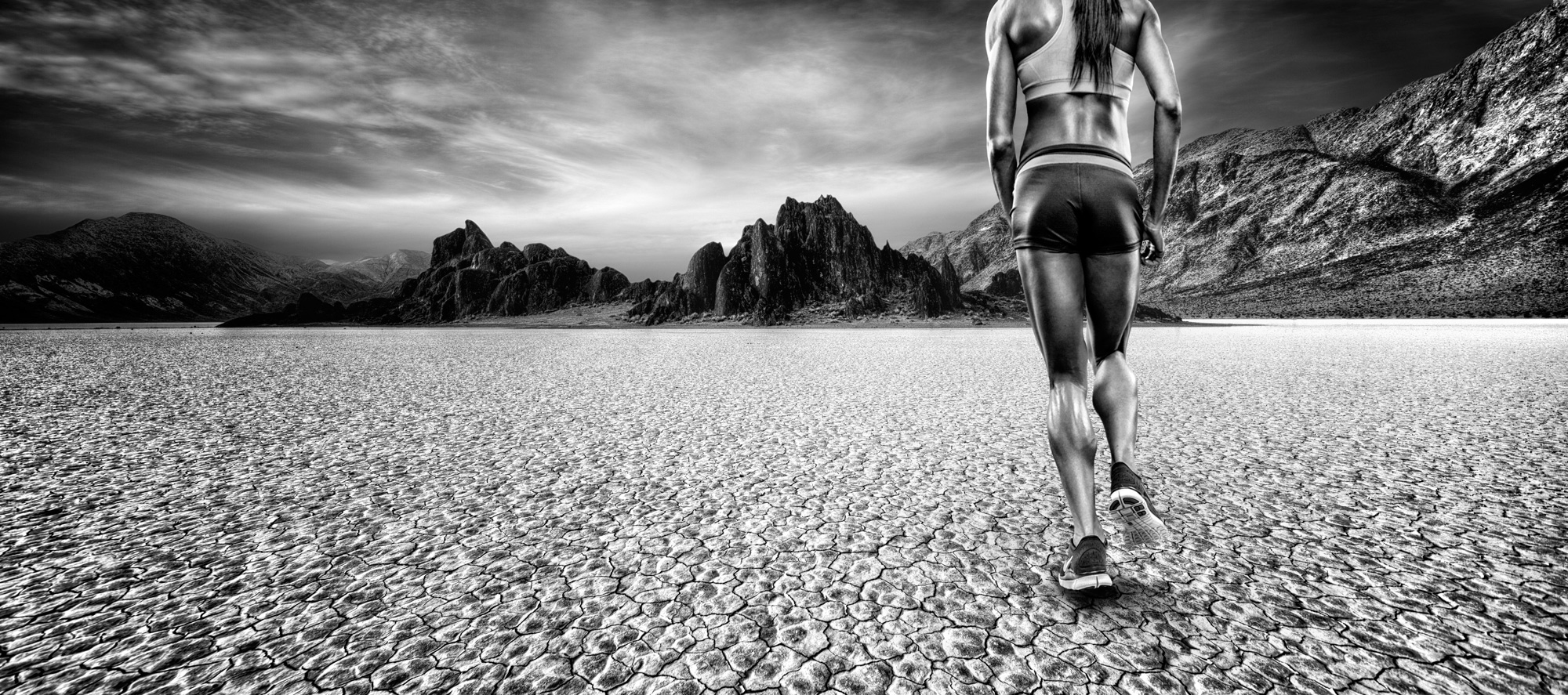Runner in Death Valley | Dovis Bird Agency Photography