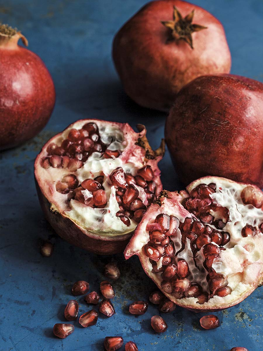 Food Photography of Pomegranate | Dovis Bird Agency Photography