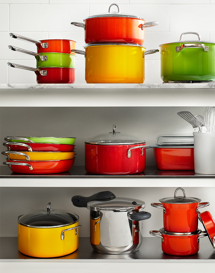 Kitchen shelf with cookware displayed | Dovis Bird Agency