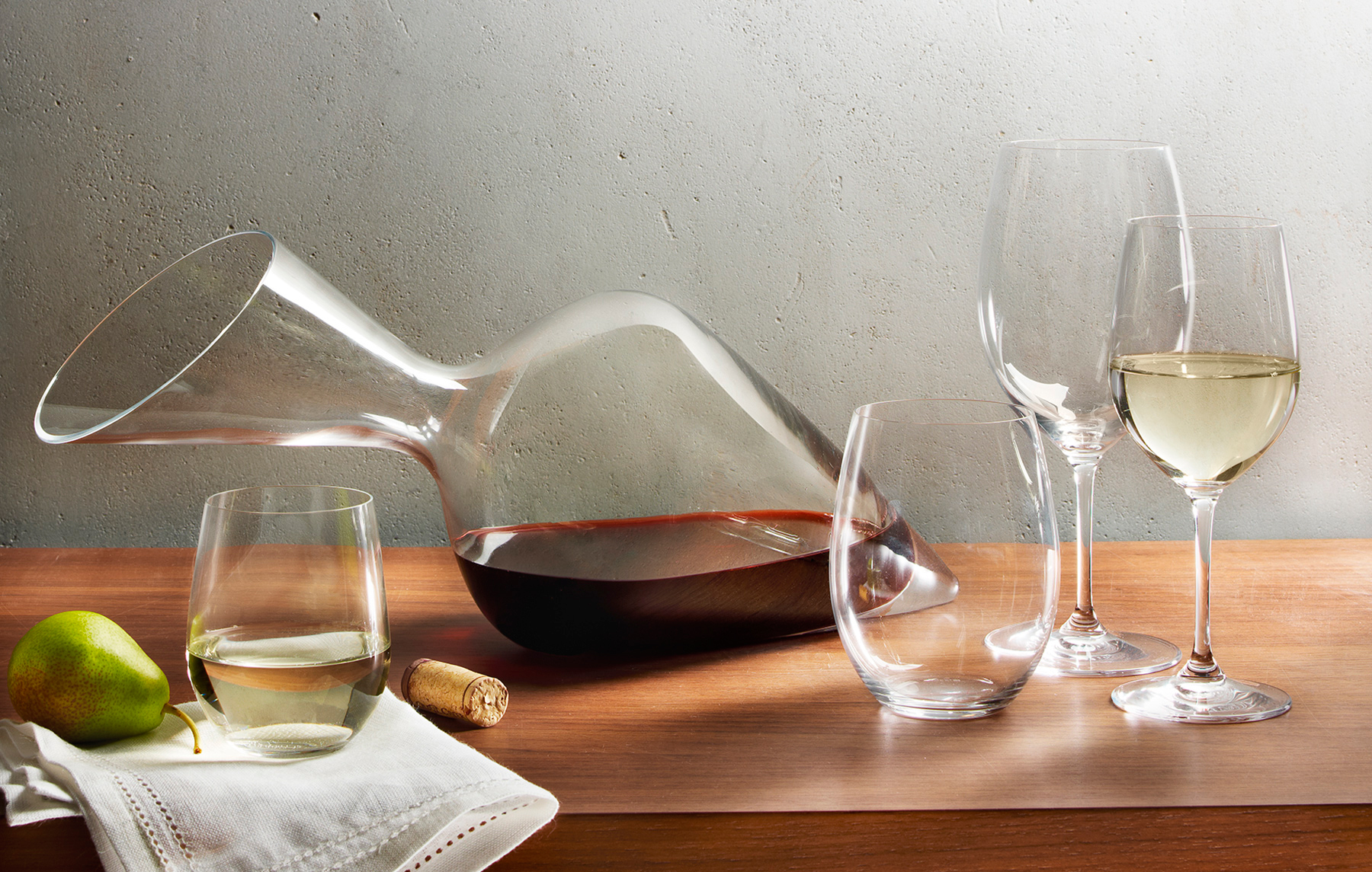 Wine glasses and decanter | Dovis Bird Agency