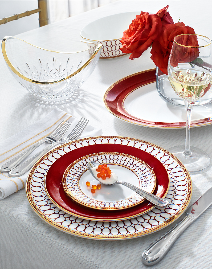 Elegant table setting with glassware and plates | Dovis Bird Agency