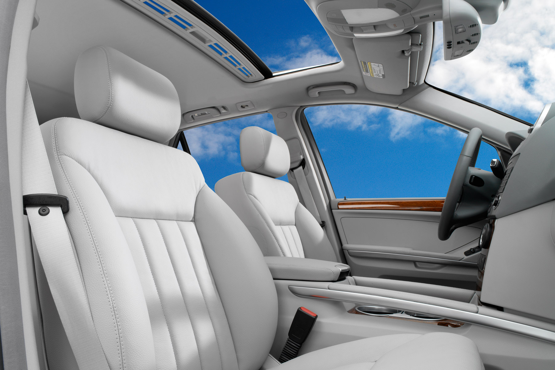 Lexus SUV Sunroof Automotive Photography| Dovis Bird Agency Reps