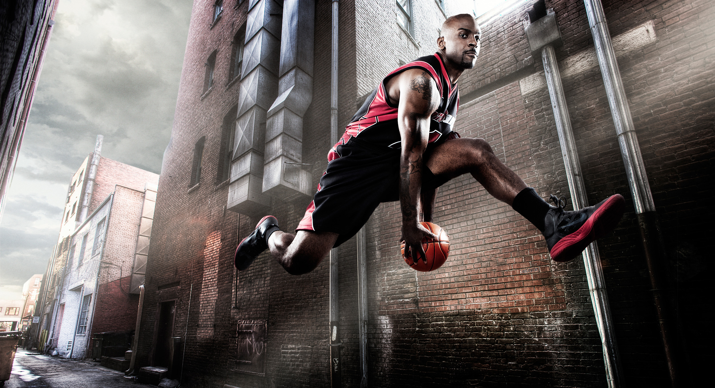 Basketball player jumping | Dovis Bird Agency Photography
