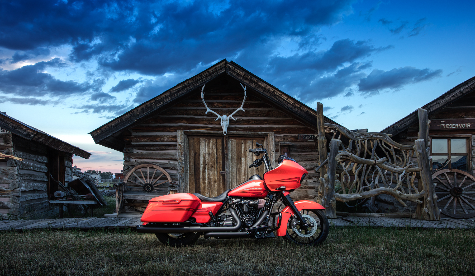 Yellowstone-Harley-34