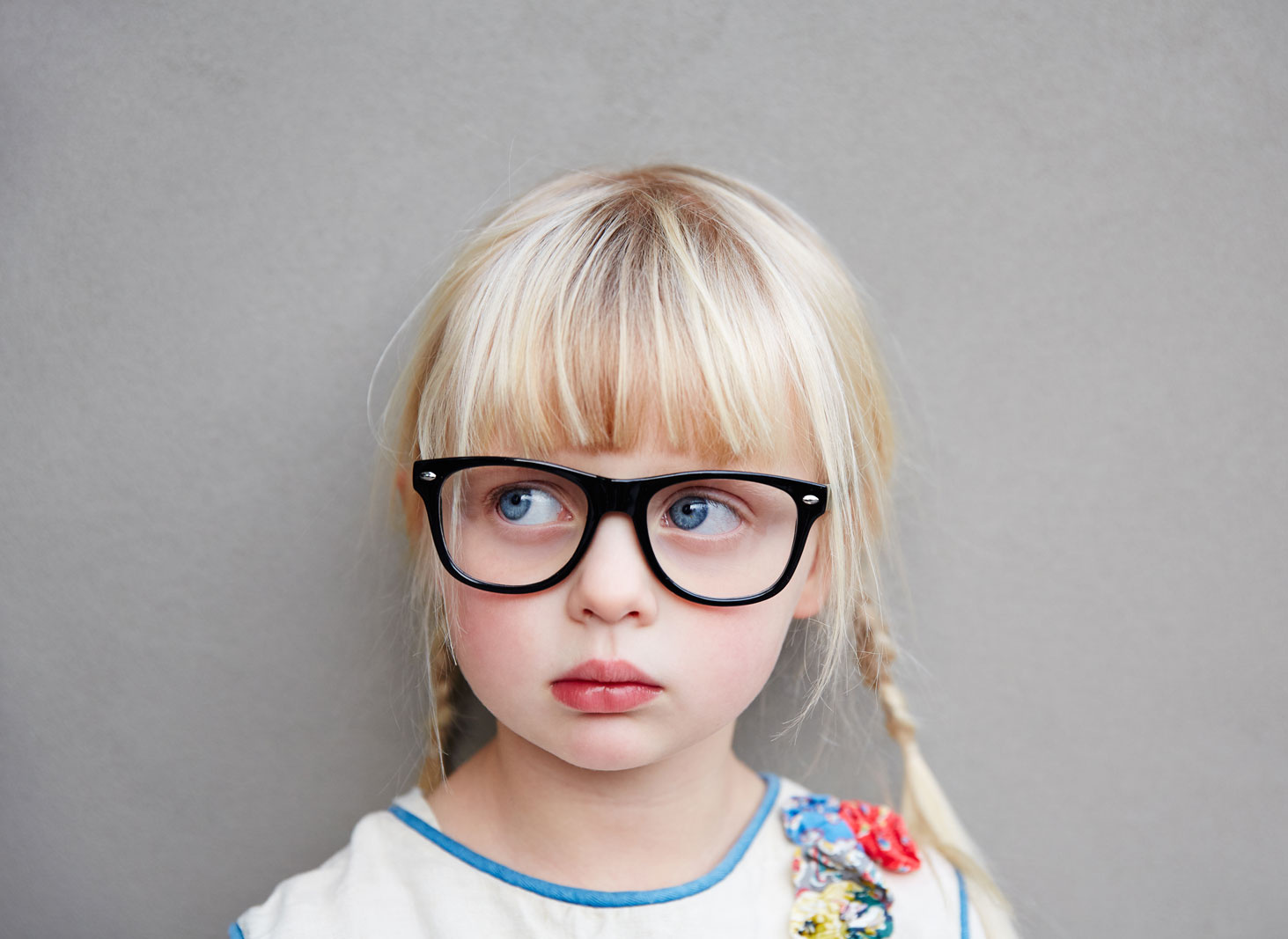 Girl with pigtail and glasses  | Dovis Bird Agency Photography