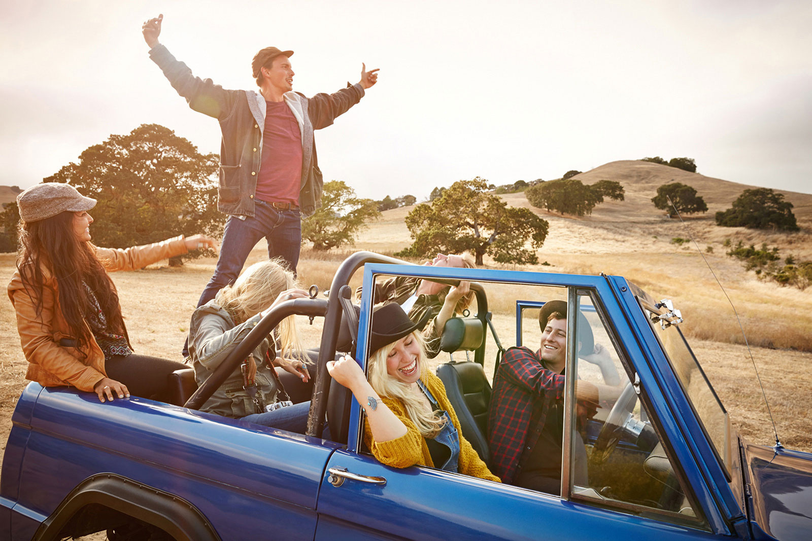 Hipsters in Jeep  | Dovis Bird Agency Photography