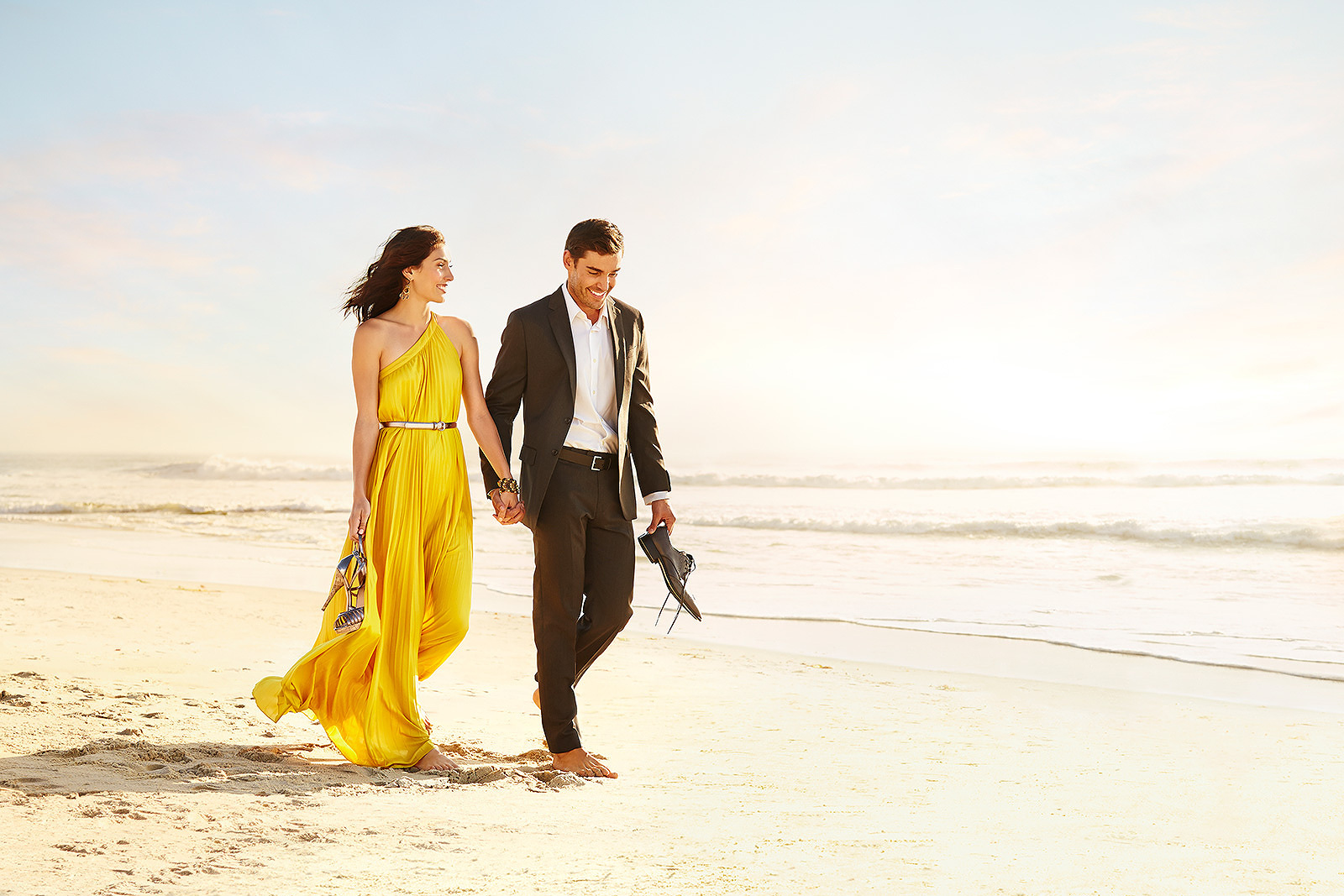 Couple on Beach   | Dovis Bird Agency Photography
