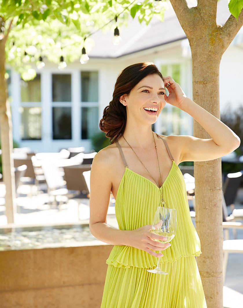 Woman outdoors drinking wine  | Dovis Bird Agency Photography