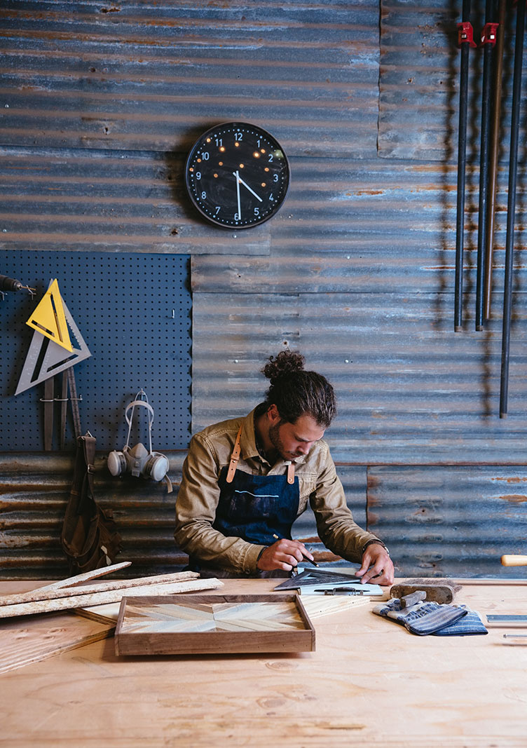 Wood worker in his shop  | Dovis Bird Agency Photography