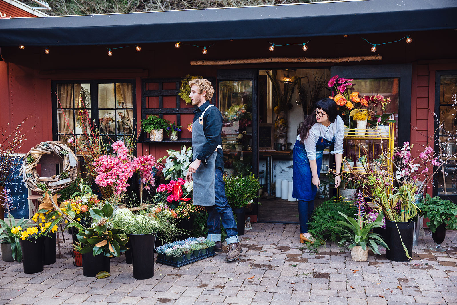 Florist shop exterior  | Dovis Bird Agency Photography