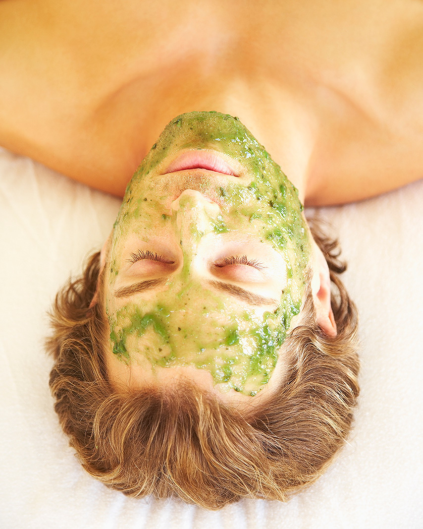 Sea kelp facial mask at spa  | Dovis Bird Agency Photography