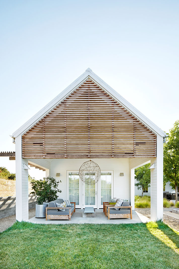 Bungalow Style Pool House  | Dovis Bird Agency Photography